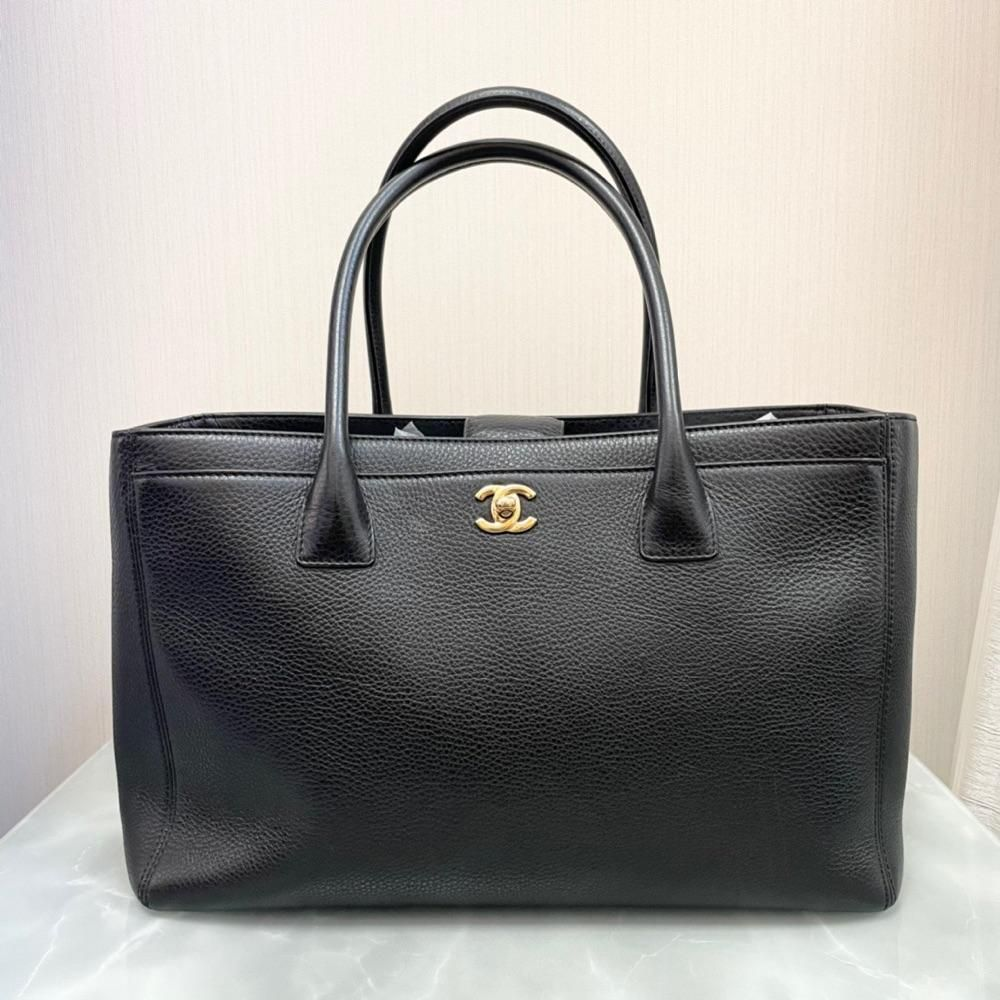 Chanel香奈儿 荔枝牛皮手提包 尺寸37x26 8900 ag